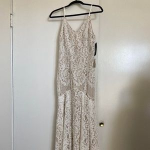 Lulu's Flynn White Lace Maxi Dress, Size M
